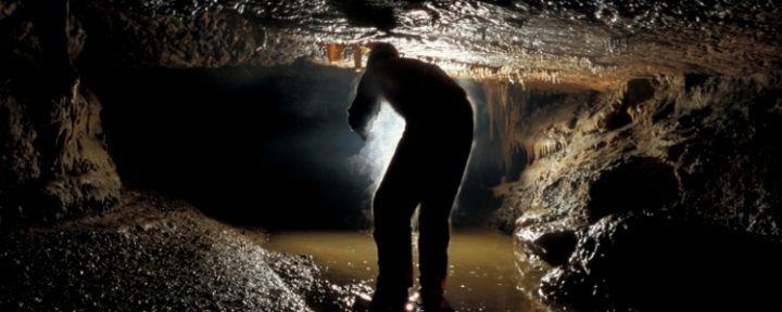 Extrém overálos barlangtúra a Bolhási-víznyelőbarlangban