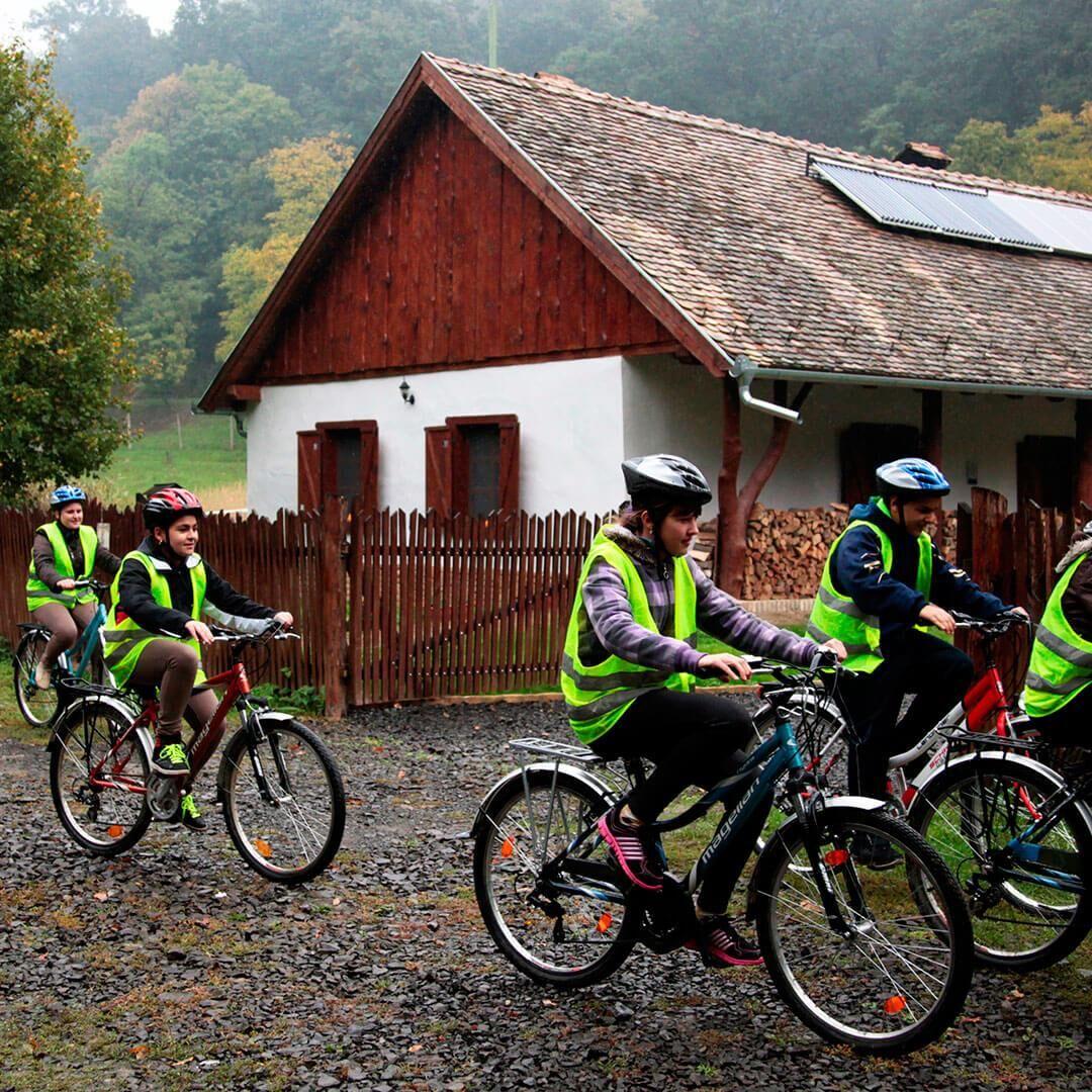 Turisztikai és Természetismereti Központ, Erdészeti Erdei Iskola, Lengyel-Annafürdő